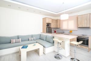 A kitchen or kitchenette at Erietta Apartments