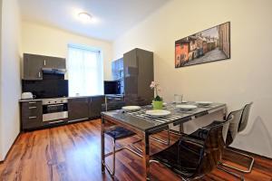 Cucina o angolo cottura di Belehradska Apartment