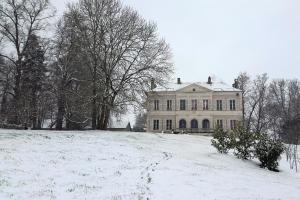Chambres d'hôtes au Château De Preuil during the winter