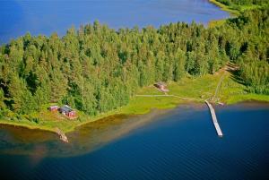 Ett flygfoto av Piteå Island Cottage Mellerstön