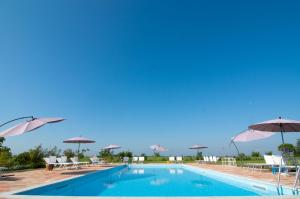 The swimming pool at or close to Agrimargherita