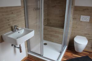 Ein Badezimmer in der Unterkunft Dachstudio Sternenblick