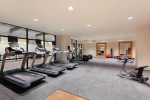 The fitness center and/or fitness facilities at Hilton Garden Inn Rochester Downtown