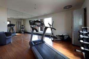 The fitness center and/or fitness facilities at Eurostars Bcn Design