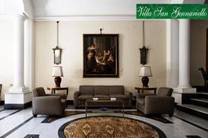 A seating area at B&B Villa San Gennariello