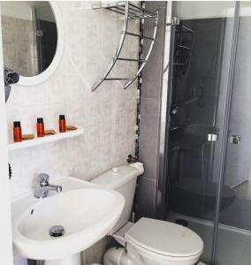 Salle de bains dans l'établissement Hotel Danemark