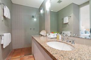 A bathroom at Hill #5