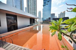 The swimming pool at or close to The Heritage Bangkok