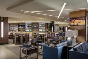 The lounge or bar area at Houston Airport Marriott at George Bush Intercontinental