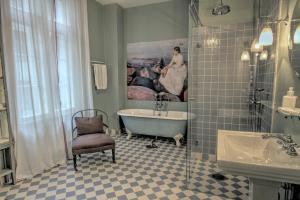A bathroom at Camillas Hus