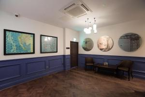 The lobby or reception area at The Furness Railway Wetherspoon