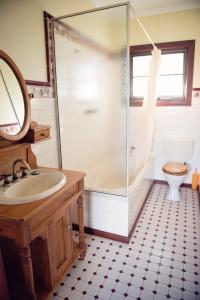A bathroom at Northbrook Farmstay