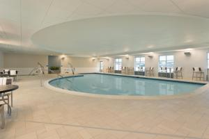 The swimming pool at or near Hampton Inn & Suites Rosemont Chicago O'Hare