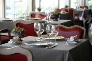 A restaurant or other place to eat at Lausanne Palace