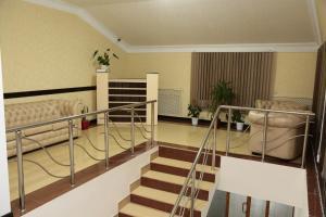 Двухъярусная кровать или двухъярусные кровати в номере Отель «Hollywood 2»