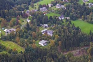 Blick auf Jagdhaus Resort aus der Vogelperspektive