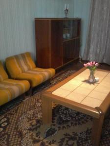 A seating area at Guest House Tengiz