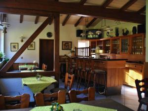 Lounge oder Bar in der Unterkunft Waldhotel Einstein