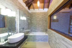 A bathroom at Sol Beach Resort