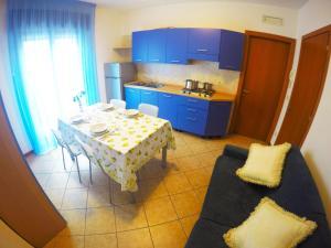 Kuchyň nebo kuchyňský kout v ubytování Residence Guardamar