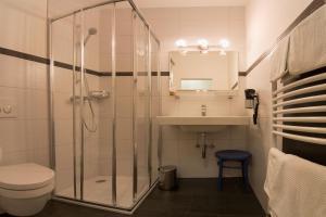 Ein Badezimmer in der Unterkunft Gasthof Zur Traube
