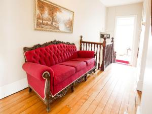 A seating area at Montacute Boutique Bunkhouse