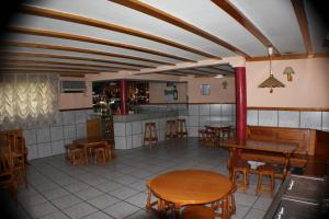A restaurant or other place to eat at Hotel Las Nieves