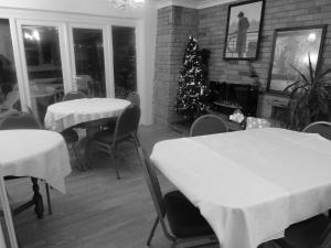 A restaurant or other place to eat at Stansted Inn