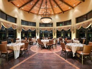 A restaurant or other place to eat at The Lodge at Flying Horse
