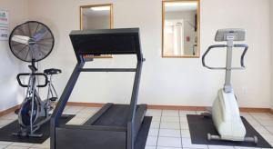 The fitness center and/or fitness facilities at Rest Inn Fort Smith