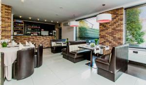 Restauracja lub miejsce do jedzenia w obiekcie Hotel Twins