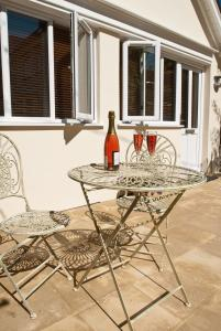 A balcony or terrace at Private Space In Central Woodbridge