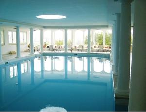 The swimming pool at or near Albergo Le Case