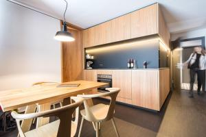 A kitchen or kitchenette at Fuxbau