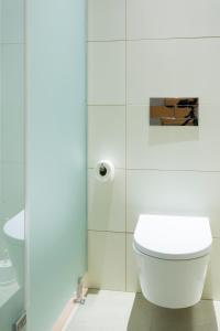A bathroom at Serenata Hostel Coimbra
