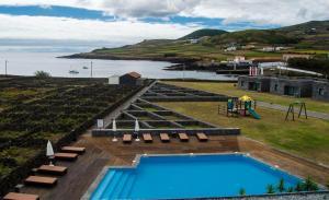 Vista de la piscina de INATEL Graciosa o alrededores