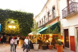 A restaurant or other place to eat at Posada Santa Fe