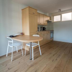 Een keuken of kitchenette bij Appartementen Domburg