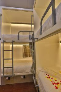 A bunk bed or bunk beds in a room at Scott @ 31St Street