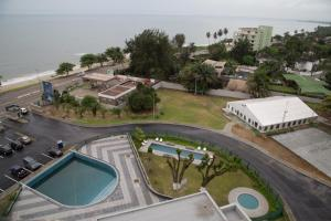 A view of the pool at Radisson Blu Okoume Palace Hotel, Libreville or nearby