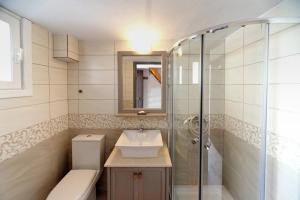 Ένα μπάνιο στο Machi Studios
