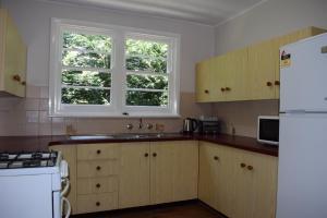 A kitchen or kitchenette at Clanwilliam