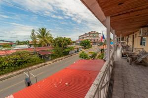 A balcony or terrace at Hotel Posada Los Delfines