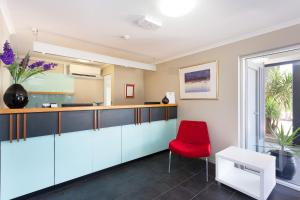 The lobby or reception area at Rocklea International Motel
