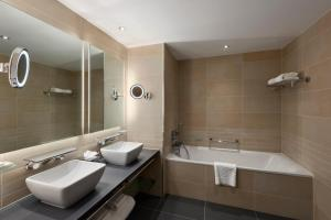 A bathroom at Hilton at St George's Park