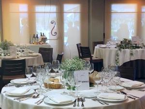 A restaurant or other place to eat at Hotel Santa Cristina Petit Spa