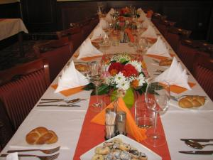 Een restaurant of ander eetgelegenheid bij Hotel Villa
