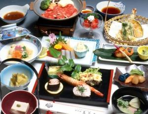 Lunch and/or dinner options for guests at Hotel Harumoto