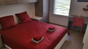 A bed or beds in a room at Luxury one bedroom Cannes