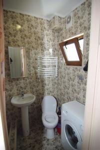 A bathroom at Guest House Belaiya Magnolia
